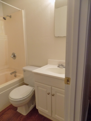811 D - Bathroom